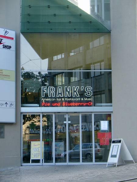 franks_american_bar_003