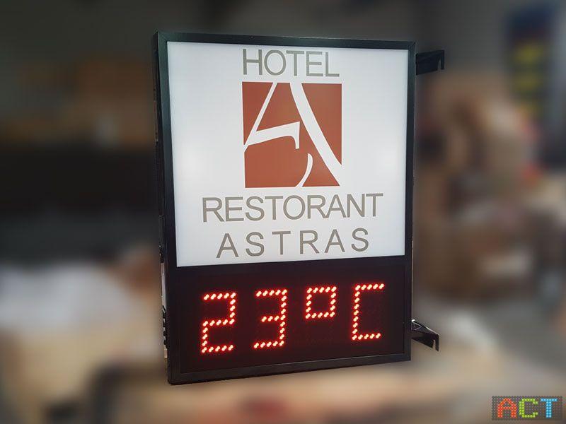 Leuchtwerbung-mit-Temperaturanzeige