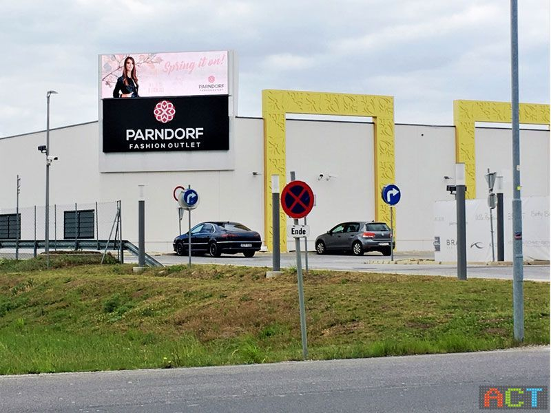 Act Gmbh Led Displays Outdoor Video Wall Für Shopping Center