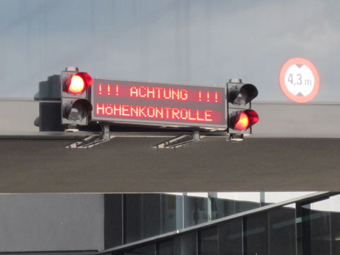 LED-Display_Gefahrenhinweise