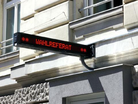 Zweiseitige-LED-Anzeige