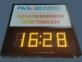 Schild mit Uhrzeitanzeige